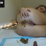 Sweet Live Cam Teen Shits On Webcam During Scat Session