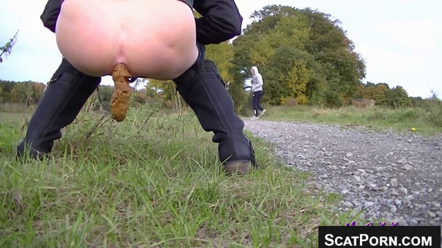 Girl Gets Caught In Scat Voyeur Video Shitting On A Park Trail Captured On  Webcam